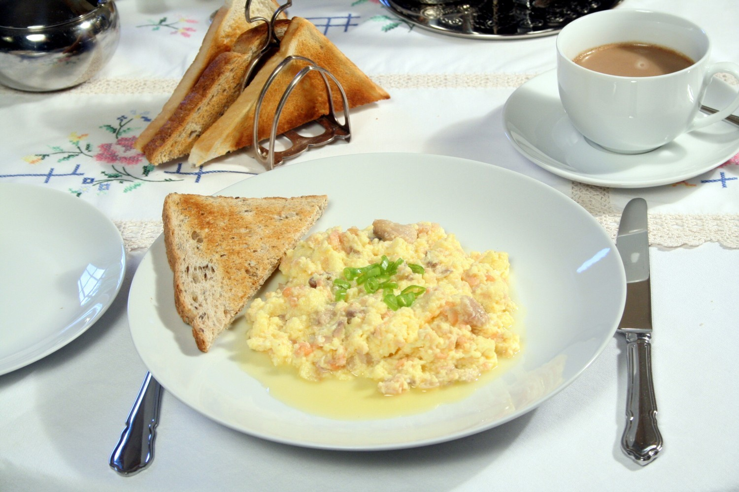 Dallars B&B Scrambled Egg with Smoked Salmon